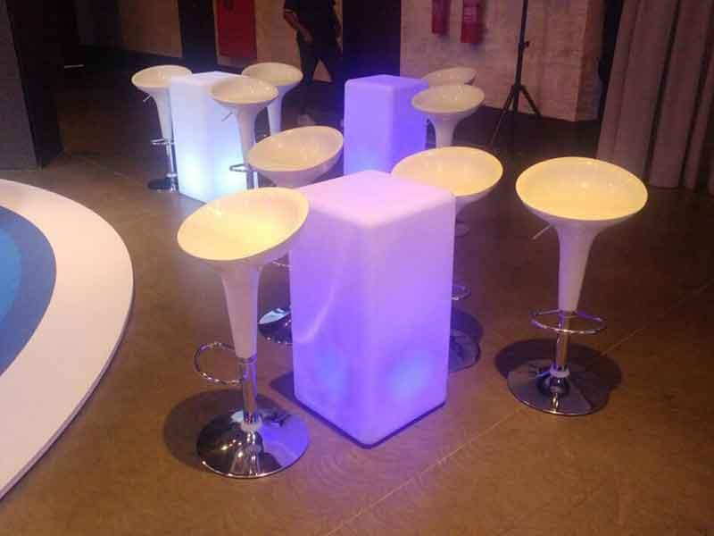 Mesa Bistrô de led quadrada - LOCAÇÃO 2 mesa bistro de led quadrada