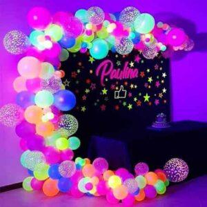Como fazer uma festa com tema Neon? 1 mesa festa tema neon