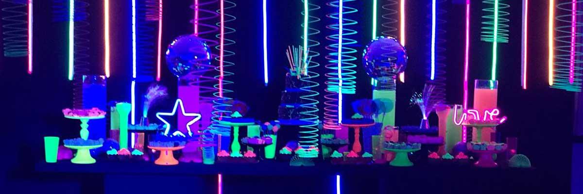 Como fazer uma festa com tema Neon? 8 tema festa neon
