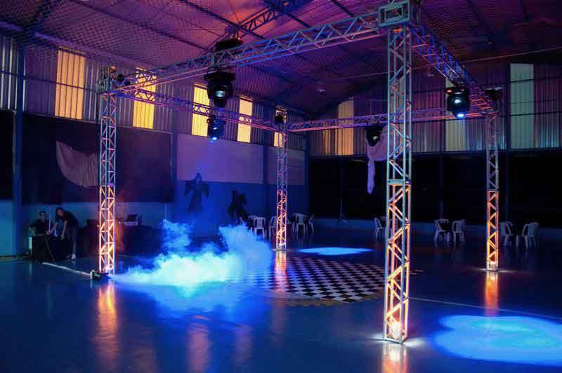 KIT 5 - Dj, som e iluminação (300 pessoas) - LOCAÇÃO 2