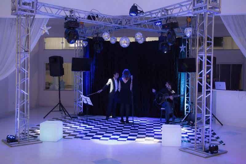KIT 5 - Dj, som e iluminação (300 pessoas) - LOCAÇÃO 4