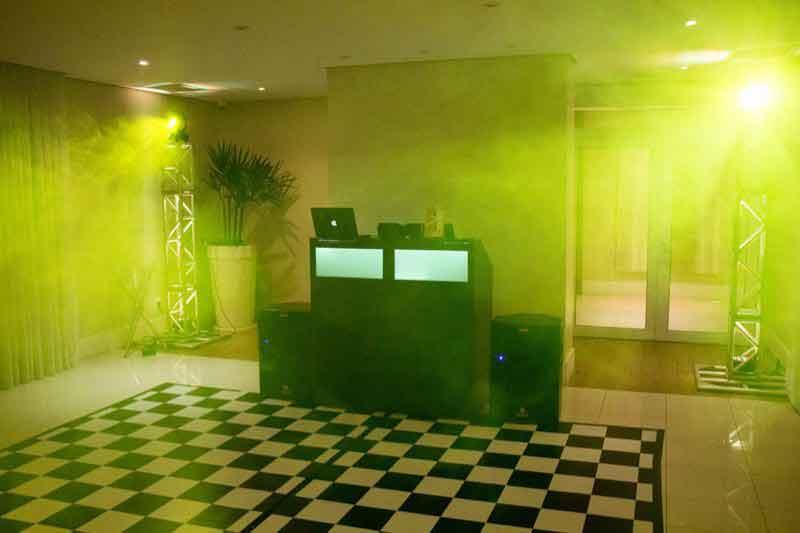 KIT 3 - Dj, som e iluminação (120 pessoas) - LOCAÇÃO 2 7508813120 KIT 3 dj som e iluminação 1