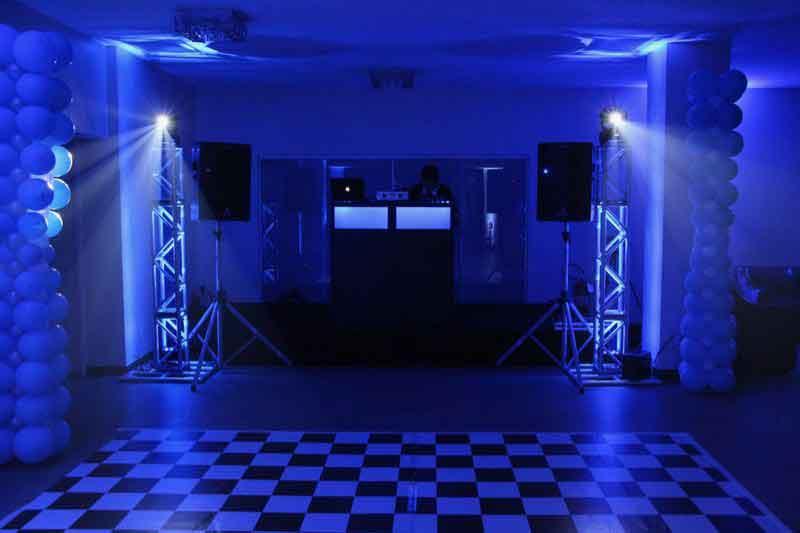 KIT 3 - Dj, som e iluminação (120 pessoas) - LOCAÇÃO 3