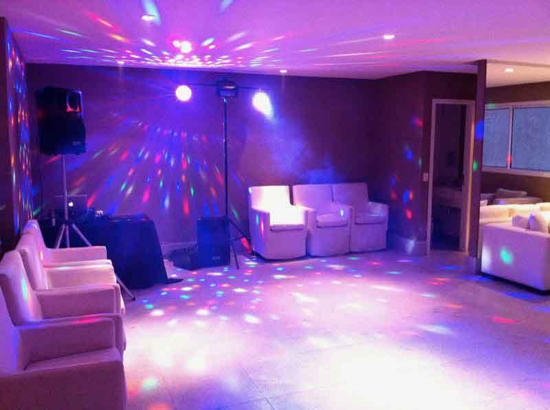 KIT 1 - Dj, som e iluminação (60 pessoas) - LOCAÇÃO 4 7508976004 KIT 1 dj som e iluminação 20