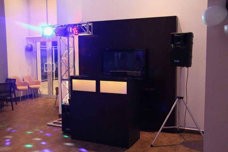 KIT 2 , Dj, som e iluminação (90 pessoas) - LOCAÇÃO 3 7509004853 KIT 2 dj som e iluminação 3