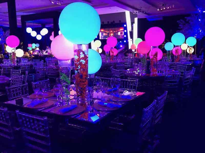 Esferas de led como decoração de Mesa