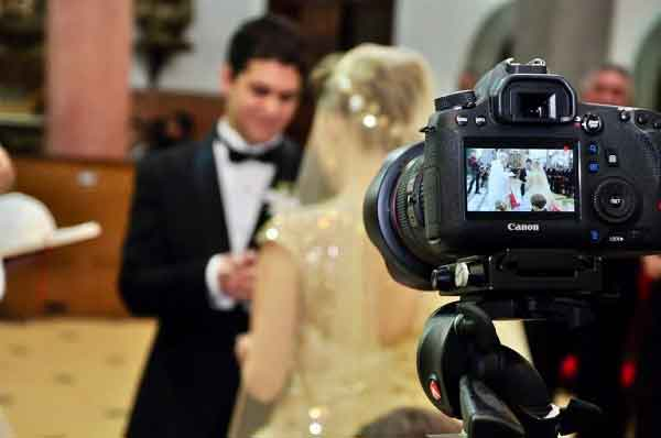 Como-transmitir-um-casamento-ao-vivo-web
