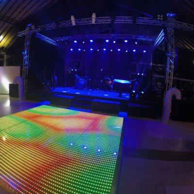DDR Eventos - Locação de móveis led, puff de led 11