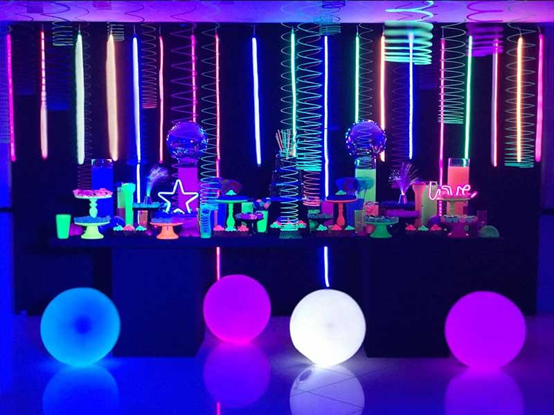 Bolas coloridas festa de aniversário