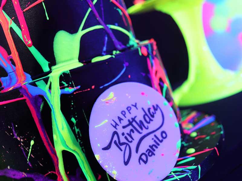 Tudo sobre festa tema Neon 1 bolo festa tema neon 2