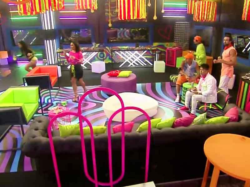 """Festa Glow no reality """"A Fazenda 13"""" 3 a fazenda 13 festa tema glow 9"""